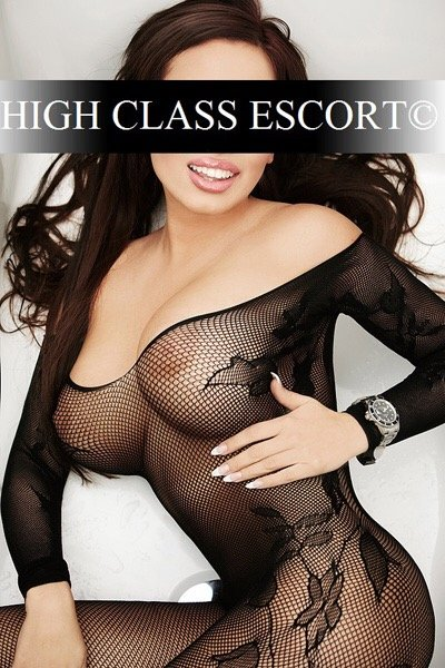 Escort Dusseldorf Model Nina with escort agency HCE